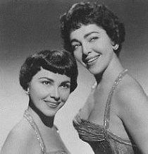 logo bio Barry Sisters