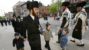 juifs-hassidiques-dans-le-quartier-de-williamsburg_300_px_larg.jpg