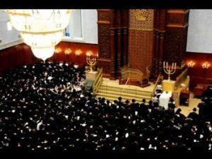 seli_hot_a_la_synagogue_des_hassidim_de_belz_redim_350_px_larg.jpg